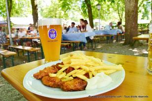 Un repas dans le Biergarten de Schleissheim
