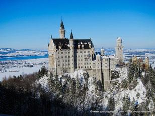 Le château de conte de fées de Neuschwanstein l´hiver (Bavière, Allemagne)