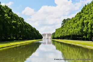 Le canal du parc du château de Schleissheim