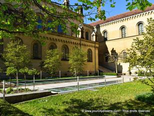 Le Kabinettsgarten dans le résidence est un jardin oublié par les touristes mais superbes. C´est un véritable havre de paix.