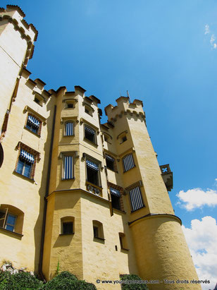 La façade du château de Hohenschwangau en Bavière