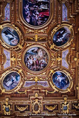 Plafond peint et doré de l'hôtel de ville d'Augsbourg