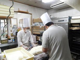 横浜市 中区 末吉町 手作りパン パン工房 カメヤ  パン作り