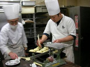 横浜市 中区 末吉町 手作りパン パン工房 カメヤ 店主と四代目