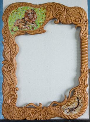 "Рама ""Лев и Скорпион"", резьба, мозаика, 50х70 см., 2012"