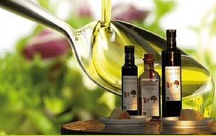 エキストラバージンオリーブオイルとクリーム蜂蜜