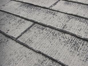 コロニアル屋根 塗料の剥離
