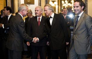 Rob van Hout, Van Lanschot (links) Helmut Hetzel, Jozias van Aaartsen, Harry Schoots  Van Lanschot Bankiers (rechts)