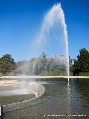 Le parc du château de Schleissheim dispose de nombreuses fontaines et jets d´eau de toute beauté.
