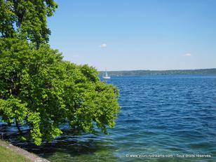 Le lac de Starnberg (Starnbergersee) invite à la détente et à la baignade.
