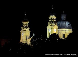voyage - église baroque italien des Théatiners dans la place l´Odeon de Munich