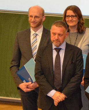 vlnr: Andreas Groyß, MSc; ao. Univ.Prof. Dr. Robert Neumann; Martina Mück, MSc (Studienkollegin)