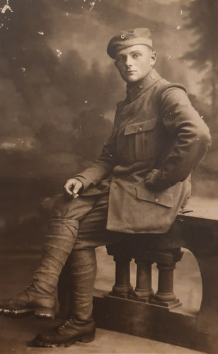 Portraitaufnahme von Engelbert Peter, vermutlich vor dem Abmarsch ins Feld aufgenommen im September 1917. Sammlung Isonzofront.de