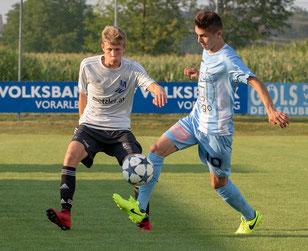 Die überdurchschnittlich jungen Spieler zeigten gegen den Landesligaklub eine starke Leistung. © Florian Hepberger