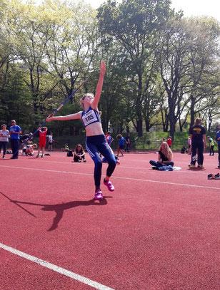 Enie Dangelmaier warf den Speer 28,27 m weit und gewann den Blockwettkampf Sprint/Sprung mit 2.432 Punkten.