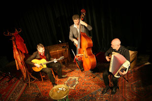 Anouman Swing Trio