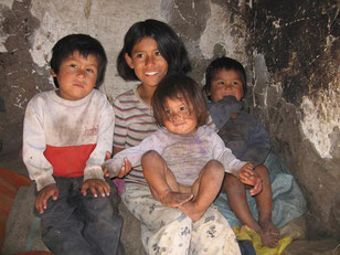 children from Curahuasi, their parents are alcohol-addicted