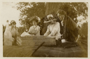 Frances und Francis Cornford, Margery Olivier, unbekannte Frau, Rupert Brooke