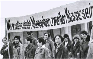 Frauen-Demonstration in den 1960er Jahren in der BRD. Quelle: feste-kämpfe-4