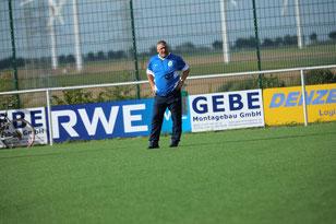 Coach Jürgen Strumpen kann es nicht fassen