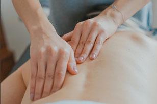 Kopf- und Rückenschmerzen deuten oft auf Verspannungen, die sich aus seelischen Problemen ergeben