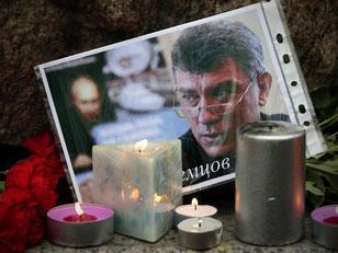 Boris Nemzow, einer der bekanntesten Kritiker von Russlands Präsident Putin, ist hinterrücks ermordet worden. Foto: Anatoly Maltsev