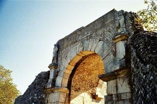 das West-Tor von SAEPINIUM in Richtung Rom