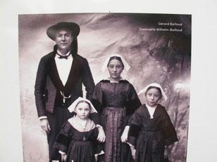 der bretonische Photograph Gerard Baillard mit seiner Familie