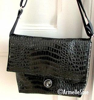 sac,bandoulière, réglable,ajustable,fait main, France, noir,simili-cuir,fabriqué en France, création textile, petit sac, Bretagne