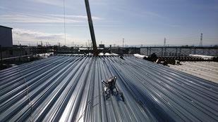 ハゼ折板 施工画像 カラーガルバリュウム鋼板