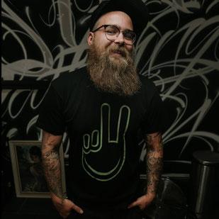 "Unisex, T-Shirt ""Peace black"", € 24,90"