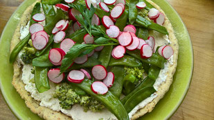 Tarte aux petits légumes de printemps