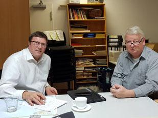 Bernward Wigger (Vorsitzender) u. Udo Lohoff (Geschäftsführer) im Büro des Aktionskreises in Hörstel-Bevergern