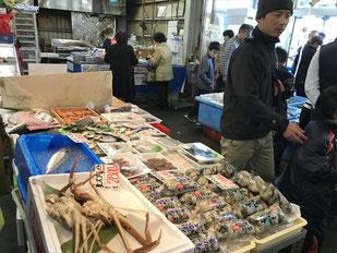 牡蠣 蟹 販売の様子