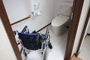 車椅子で使用できるトイレ