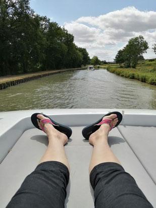 Fanny en hachiji dachi sur le canal latéral à la Loire
