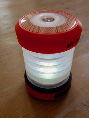 Camping Tipps: Campinglampe mit Handkurbel