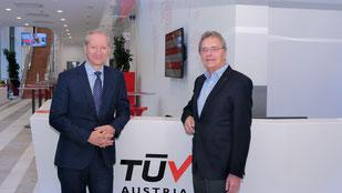 links: Direktor Dipl.-Ing. Dr. Stefan Haas, CEO TÜV AUSTRIA HOLDING AG//rechts: Ing. Kurt Essler, Geschäftsführer AfB Austria