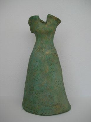 Grüne Robe, Ton bemalt, 28 cm, Vorderansicht