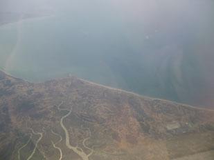 インドへ向かう飛行機の窓から