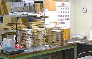 徹底した温度管理の下で進められる製品測定