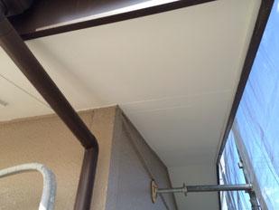 【施工中】軒天雨漏り部張替え・塗装