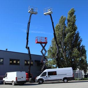 Les véhicules d'ACMB construction en charpente métallique au dépot à Brioux 79