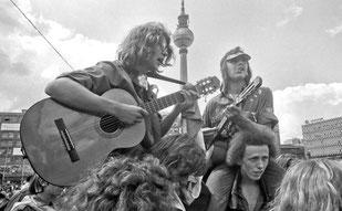 © Siebrand Rehberg - Weltfestspiele der Jugend und Studenten am Alexanderplatz 1973