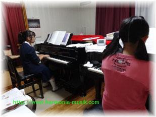 広がる世界 二台ピアノ