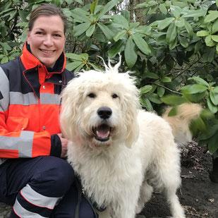 Irina mit Fiete I geprüfter Rettungshund BZRH