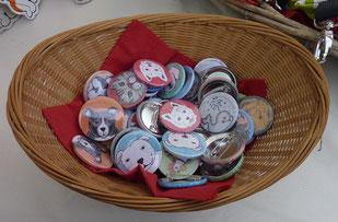 Buttons, von Elke gezeichnet
