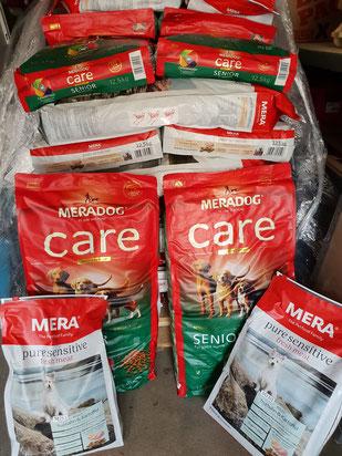 MeraDog-Futterspende zum DogWalk, Foto: Oetken
