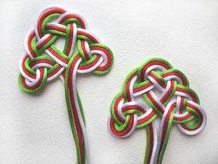 Защита, оздоровление, мудрость, гармония, осознанность. Выполняется с использованием нитей различных цветов либо одного избранного.