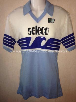 Lazio 1982-1983, maglia a maniche corte (www.museomagliesslazio1900.it)